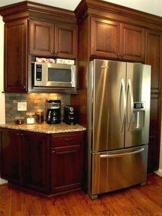 75 Fabulous Farmhouse Kitchen Cabinets Makeover Ideas - Page 2 of 76 Farmhouse Kitchen Cabinets, Kitchen Redo, Home Decor Kitchen, Rustic Kitchen, Kitchen Backsplash, New Kitchen, Home Kitchens, Kitchen Design, Condo Kitchen