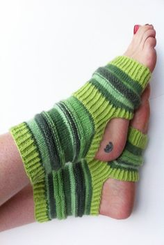 Hand-stricken Yoga Socken  grüne Pilates Socken  PiYo von LizSox