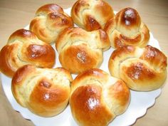 Bystry Recipe Buns with milk. Cooking Bread, Bread Baking, Baking Recipes, Bread Recipes, Pasta Recipes, Tasty Bread Recipe, G 1, Russian Recipes, Top 5