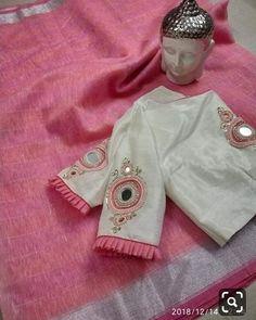 Beautiful Lenin silk sarees with awesome blouses Price - 4000 - Salvabrani Simple Blouse Designs, Saree Blouse Neck Designs, Stylish Blouse Design, Bridal Blouse Designs, Saree Blouse Patterns, Dress Patterns, Saris, Silk Sarees, Crepe Saree