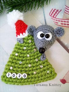 225 Crochet Pattern - Mouse on a Christmas Tree - Amigurumi PDF file by Knittoy Etsy Crochet Mouse, Cute Crochet, Crochet Dolls, Christmas Tree Pattern, Crochet Christmas Ornaments, Crochet Decoration, Handmade Toys, Crochet Projects, Crochet Patterns