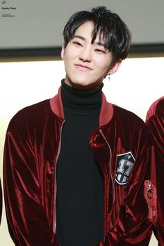 And here i am trying to be loyal to minghao but its nearly impossible when im looking at pictures of hoshi...