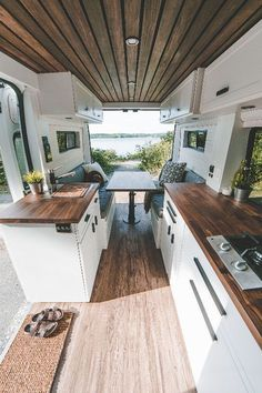 This van kitchen is too cute! Tiny House Movement // Tiny Living // Tiny House on Wheels // Van Conversion // Van Life // Tiny Home Astuces Camping-car, Kombi Home, Camper Van Conversion Diy, Sprinter Van Conversion, School Bus Conversion, Van Conversion Kitchen, Ford Transit Conversion, Cargo Trailer Conversion, Ford Transit Rv