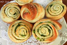 Chive, Garlic & Herb Rolls {made with refrigerated Pizza Dough} | Will Cook For Smiles