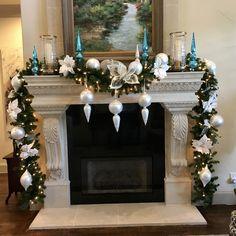 Silver Christmas Tree, Christmas Decorations For The Home, Christmas Tree Decorations, Christmas Diy, Ideas Decoracion Navidad, Christmas Fireplace Mantels, Christmas Interiors, Deco Table, Mantles