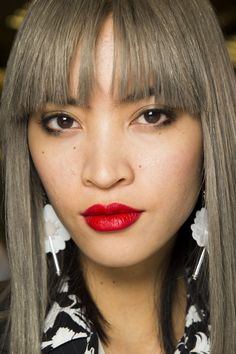 Topshop Unique Spring 2016 Ready-to-Wear Fashion Show Beauty