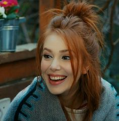 Elçin Sangu Beautiful Red Hair, Gorgeous Redhead, Prettiest Actresses, Beautiful Actresses, Red Hair Woman, Elcin Sangu, Redhead Girl, Turkish Beauty, Light Hair