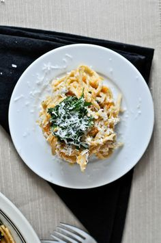 Sweet Potato Cream Pasta with Crispy Kale I howsweeteats.com