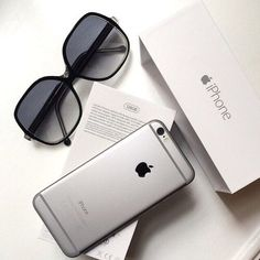 Find images and videos about iphone, sunglasses and apple on We Heart It - the app to get lost in what you love. Iphone 6 Tumblr, Smartphone, Hotline Bling, Apple My, Iphone Accessories, Apple Products, Apple Watch, Macbook, Apple Iphone