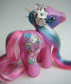 Kawaii Pony. http://cagedcanarynz.blogspot.co.nz/