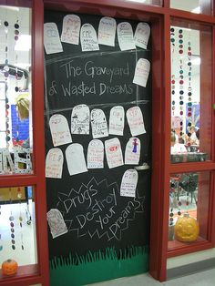 halloween door decor The Graveyard of Wasted Dreams Drugs Destroy Your Dreams Drug Free Week, Red Ribbon Week, School Doors, Crafts For Kids, Diy Crafts, Stem For Kids, Halloween Door Decorations, Hallway Decorating, Decorating Ideas