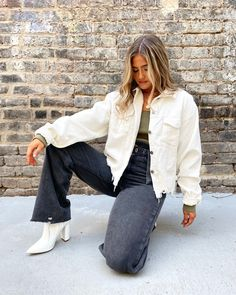 Faux Leather Leggings, Black Leggings, Dope Outfits, Fall Outfits, Hang Ten, White City, Cool Sweaters, City Chic, Fall Looks