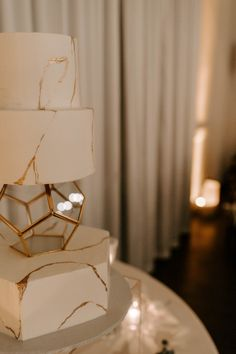 Wedding cake inspiration Wedding Cake Inspiration, Wedding Cakes, Table Lamp, Home Decor, Wedding Gown Cakes, Homemade Home Decor, Wedding Pie Table, Table Lamps, Wedding Cake