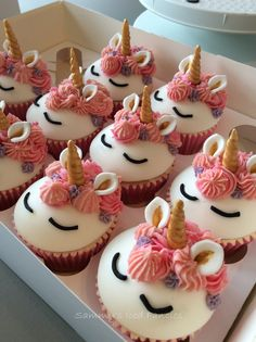Pink unicon cupcakes