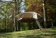 Dom´Up is a new suspension style cabin that draws inspiration from tree camping and traditional treehouse structures. The tree shelter is a suspension style dwelling above the forest floor, and leaves no impact on the trees or environment. The modern Treehouse Cabins, Cabin Tent, House Tent, Glamping, Tiny House, Tree Camping, Camping Outdoors, Tree Tent, Escape