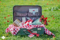 valentine day picnic Picnic Time, Valentines Day, Bloom, Picnic Ideas, Pickle, Creative, Fun, Picnic, Valentine's Day Diy