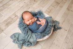 Newborn Baby Photos, Newborn Photography Props, Newborn Pictures, Newborn Photo Props, Newborn Boys, Baby Boy Photography, Baby Poses, Newborn Session, Photography Ideas