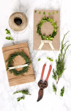Free & Gorgeous DIY Christmas Gift Wrapping in 5 Minutes - - Beautiful & super easy DIY Christmas gift wrapping ideas, using upcycled brown paper & free natural materials to create festive designs that everyone loves! Easy Diy Christmas Gifts, Easy Diy Gifts, Christmas Gift Wrapping, Christmas Crafts, Christmas Items, Living Room Furniture Sale, Room Furniture Design, Diy Cadeau Noel, Navidad Diy