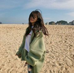 Korean Fashion Trends you can Steal – Designer Fashion Tips Korean Girl Cute, Korean Girl Short Hair, Korean Girl Ulzzang, Mode Ulzzang, Asian Girl, Ulzzang Couple, Korean Picture, Korean Photo, Korean Aesthetic