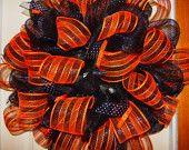 "24"" geo mesh halloween wreath"