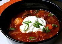 Klasický ruský boršč Czech Recipes, Ethnic Recipes, Dairy Free Recipes, Caprese Salad, Free Food, Chili, Curry, Food And Drink, Yummy Food