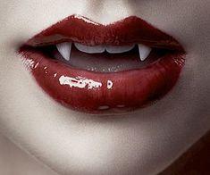Female Vampire, Vampire Fangs, Vampire Art, Vampire Love Story, Vampire Girls, Rosario Vampire Moka, Anime Lips, Night Walkers, Yankee Candle Scents