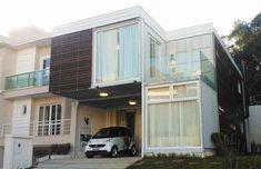 Casa de 240 m² feita com contêineres é inaugurada no Paraná Projeto assinado por Danilo Corbas é formado por seis compartimentos metálicos