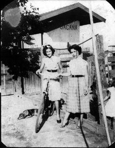 Anos 1940? Ao lado da estação do Jaçanã, posa a filha Nilsa, do chefe da estação, Ormidas Nascimento, sobre a bicicleta (Acervo Rogerio Nunes). // Jaçanã -- Estações Ferroviárias do Estado de São Paulo