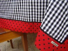 Love the swiss dots and checks Sewing Hacks, Sewing Crafts, Sewing Projects, Mug Rugs, Table Toppers, Table Linens, Country Decor, Table Runners, Diy And Crafts