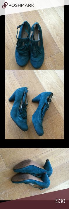 Teal green suede Hinge Mary Janes. Size 8.5 Gently used genuine teal green suede-beautiful shoes! Mary Jane style with 2.5 inch heel. hinge Shoes Heels