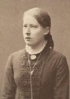 """18 years old - Wendla """"Venny"""" Irene Soldan-Brofeldt (1863-1945) oli suomalainen 1800-luvun lopun ja 1900-luvun alun kuvataiteilija ja taidemaalari. Lisäksi hän oli korusuunnittelija ja -muotoilija tehden taideteollisuuden käyttöön kameekoruja ja myös puu- ja paperiveistoksia sekä kuvitti lastenkirjoja."""