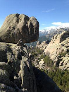 La Pedriza en Parque nacional de Sierra de Guadarrama. Senderismo en Madrid.