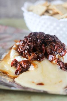 Baked Brie Appetizer, Bite Size Appetizers, Bacon Appetizers, Appetizer Recipes, Gourmet Appetizers, Appetizer Ideas, Holiday Appetizers, Savory Snacks, Candied Bacon