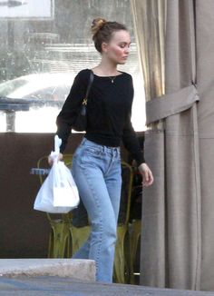 Lily-Rose Depp is accompanied by a burly security guard as she picks up groceries Lily Rose Depp Style, Lily Rose Melody Depp, Lily Depp, Fashion Over 40, Queen, Aesthetic Clothes, Celebrity Style, Autumn Fashion, Cute Outfits