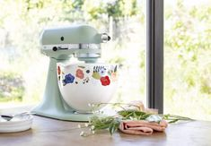 KitchenAid Is Releasing Patterned Stand Mixer Bowls and We W.- KitchenAid Is Releasing Patterned Stand Mixer Bowls and We Want Them All - Kitchenaid Artisan, Kitchenaid Stand Mixer, Layout Design, Grey Bowls, Bowl Designs, Taste Of Home, Mixing Bowls, Mixers, Small Appliances