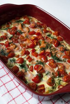 Chicory casserole with smoked salmon and tomato- Witlof ovenschotel met gerookte zalm en tomaat Chicory casserole with smoked salmon and tomato - Tapas, Quick Healthy Meals, Super Healthy Recipes, Good Food, Yummy Food, Oven Dishes, Happy Foods, No Cook Meals, Food Inspiration