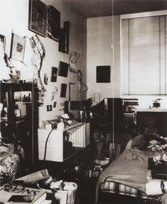 LUCAS SAMARAS – 1964 – Lmoved the contents of his studio-bedroom into a gallery…