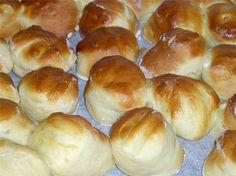 Πογκάτσα - Ουγγαρέζικα τυροπιτάκια!!! - Filenades.gr Cookie Dough Pie, Pretzel Bites, Bakery, Rolls, Food And Drink, Bread, Dinner, Cooking, Breakfast