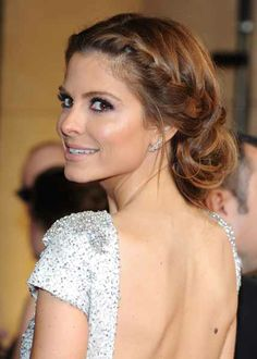 Maria Menounos' hair on the Oscars red carpet. So pretty!