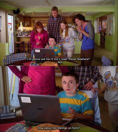 "Brick Heck (Atticus Shaffer) e famiglia nell'episodio 5x05 (Halloween IV: The Ghost Story) di ""The Middle""."