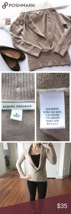 """- BANANA REPUBLIC - Wool Blend Cowl Neck V Sweater Casual, cozy & perfect for winter layering! Excellent pre-loved condition, no flaws. Approx Measurements:  Bust: 19"""" Length: 24"""" 🔸Bundle & Save 20% on 2+ items! 🙅🏼No trades / selling off of Posh. 💗 Offers always welcome! Banana Republic Sweaters Cowl & Turtlenecks"""