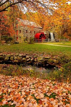 Wayside Inn Grist Mill in Sudbury, MA. We had lunch across the street at the Wayside Inn Beautiful Places To Visit, Cool Places To Visit, Places To Travel, Amazing Places, Boston Places To Visit, Travel Things, Travel Destinations, Beauty Dish, Autumn Scenes