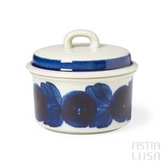 A sugar bowl for coffee or tea table. Arabia Anemone made in Finland. Designed by Ulla Procopé. International shipping with safety guaranteed. Vintage Dishware, Vintage Dishes, Rustic Ceramics, Modernism, Sugar Bowl, Scandinavian Design, Flower Decorations, Blue Flowers, Finland