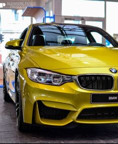 BMW M4 F82. Luxury, amazing, fast, dream, beautiful,awesome, expensive, exclusive car. Coche negro lujoso, increible, rápido, guapo, fantástico, caro, exclusivo.