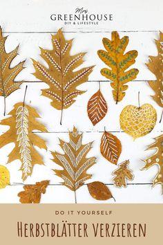 DIY Herbstblätter mit Mustern und Ornamenten verzieren. Diese schöne Dekoidee ist eine wundervolle Bastelidee für Kinder und Erwachsene. Ob als Tischdeko oder als Fensterdeko, die bemalten Blätter sehen immer zauberhaft aus. Mehr auf meinem Blog www.mrsgreenhouse.de