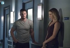 "404 -- ""Haunted"" (L-R): Stephen Amell as Oliver Queen and Katie Cassidy as Laurel Lance Stephen Amell Arrow, Arrow Oliver, Oliver And Laurel, Matt Ryan Constantine, Haunted Images, Arrow Season 4, Dinah Laurel Lance, Dc Tv Shows, Team Arrow"
