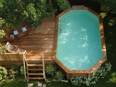 Smeraldo, above-ground pool made with Swedish pinewood structure impregnated in autoclave with exotic wood edging; can be completed with raised sun terrace and decorative accessories, again in Swedish pinewood