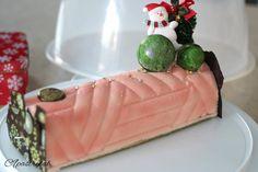 0 個讚好,0 則回應 - Instagram 上的 Joannie Chan(@joannie_chan):「 Christmas log cake 🍵🥥🥣 coconut mousse +red bean mousse +matcha joconde  #homebaked # yalelog… 」 Christmas Log Cake, Coconut Mousse, Red Beans, Matcha, Instagram, Kidney Beans