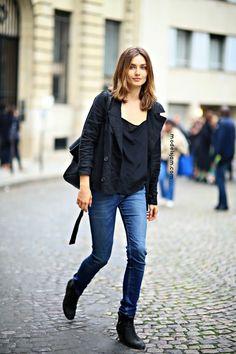 Andreea keeping it cruisy #offduty in Paris. #AndreeaDiaconu