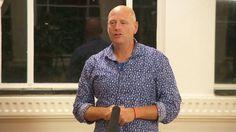 Jawi Bakker  was één van de sprekers op Inspiratiepodium #27 van het Inspiratiehuis Arnhem, 17 september 2015. Muziek van Maame Joses. © 2015, Flinq Creative Video